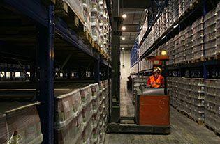 Attività di stoccaggio, distribuzione e logistica integrata.